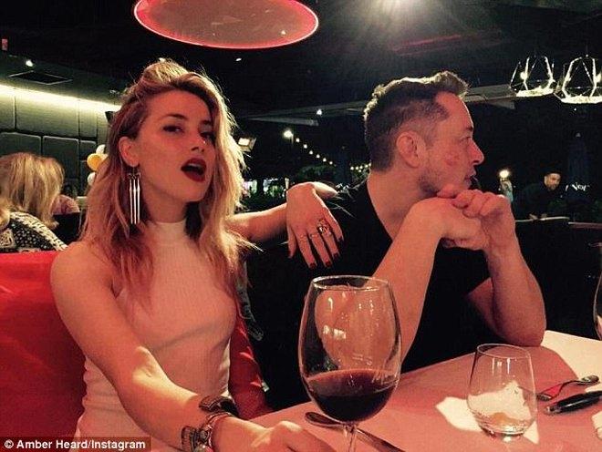 Chia tay tỷ phú, Amber Heard chuyển sang hẹn hò diễn viên cơ bắp 6 múi - Ảnh 5.