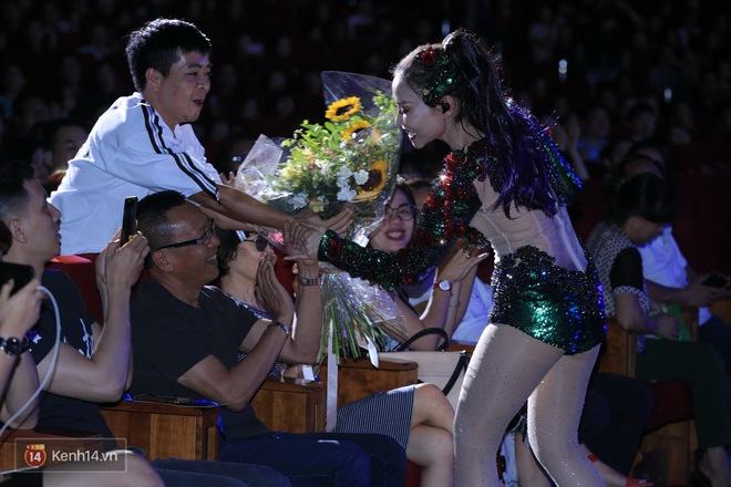 Hồ Ngọc Hà: Tôi luôn phải nín, nhường phần thắng mỗi khi Thu Minh cất tiếng hát - Ảnh 18.