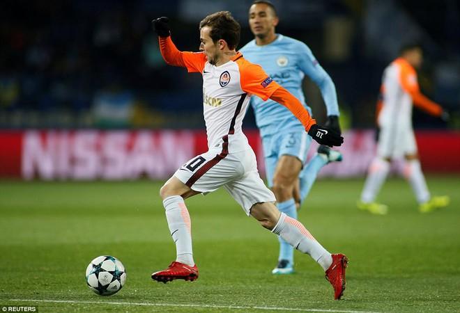 Man City bại trận ở Champions League trước derby thành Manchester - Ảnh 3.