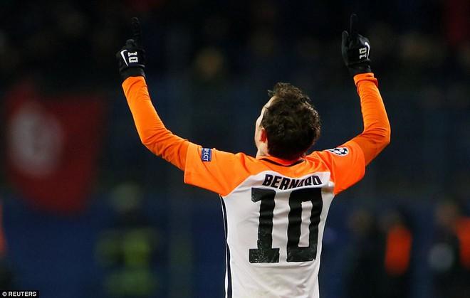 Man City bại trận ở Champions League trước derby thành Manchester - Ảnh 5.