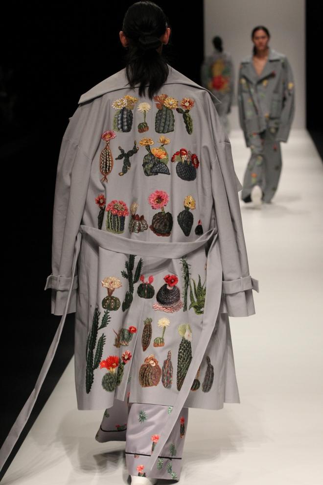 """BST mới của NTK Công Trí tại Tokyo Fashion Week: Trước cái đẹp, bạn chỉ còn biết """"Wow"""" lên một tiếng!!! - Ảnh 34."""