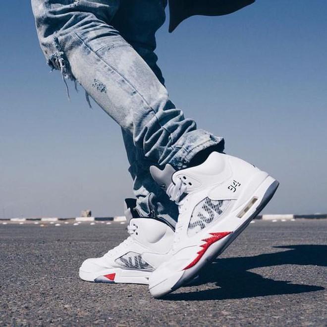 Nike vs adidas: Ai mới là vua của những đôi giày hợp tác? - Ảnh 3.