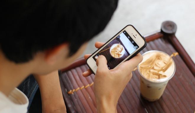 In ảnh lên trà sữa: món mới toanh đầy ảo diệu ở Hà Nội - ảnh 8