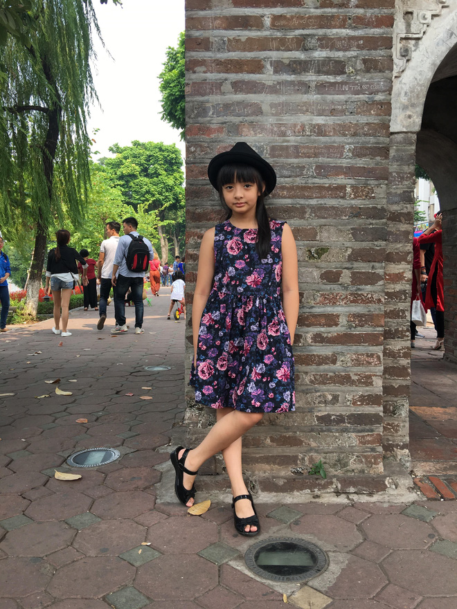 Tự tin catwalk, con gái 9 tuổi của siêu mẫu Thuý Hằng gây chú ý vì cực giống Kaity Nguyễn - Ảnh 7.