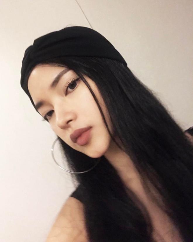 """4 cô nàng Việt sở hữu đôi môi dày mọng """"nhìn là muốn cắn"""" - Ảnh 3."""