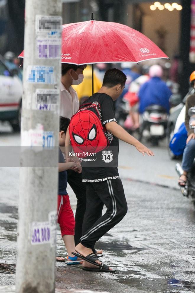 Độc quyền: Im lặng giữa tâm bão scandal, Trương Quỳnh Anh ở nhà chờ Tim đón con trai đi học về - Ảnh 5.