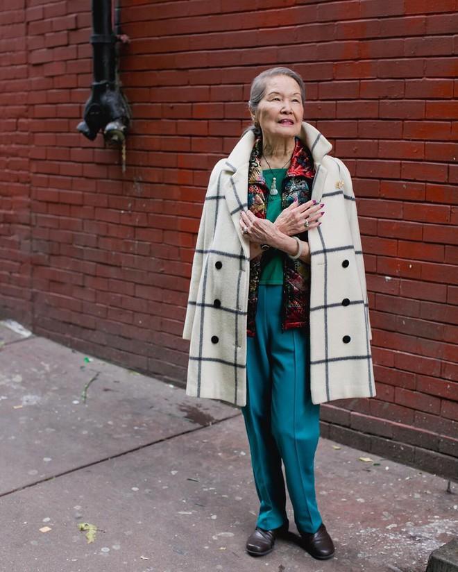 Không đăng hình giới trẻ, tài khoản Instagram này lại tôn vinh street style đi chợ của các cụ già và được hưởng ứng vô cùng - ảnh 8