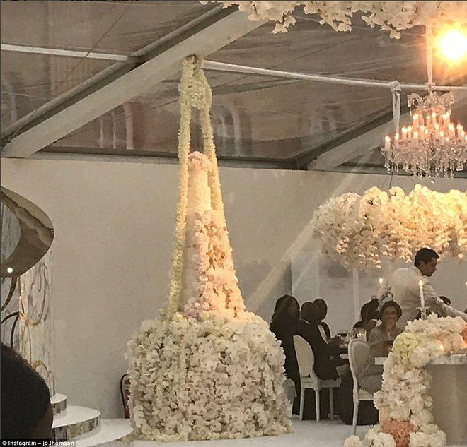 Đám cưới sang chảnh với 1 triệu bông hồng của con trai tỷ phú da màu giàu nhất thế giới - Ảnh 9