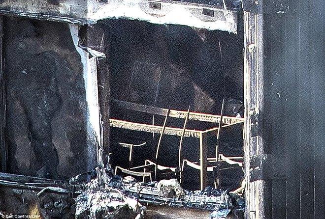 Những hình ảnh hoang tàn bên trong tòa chung cư 24 tầng sau vụ hỏa hoạn nghiêm trọng - Ảnh 10