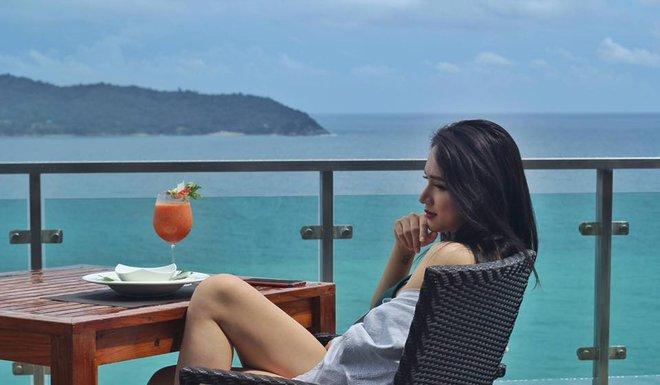 Trở lại sau scandal vạ miệng, Hương Giang Idol diện bikini nóng bỏng hết cỡ! - Ảnh 9.