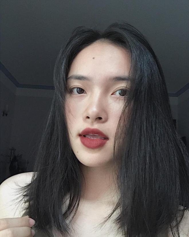 """4 cô nàng Việt sở hữu đôi môi dày mọng """"nhìn là muốn cắn"""" - Ảnh 14."""