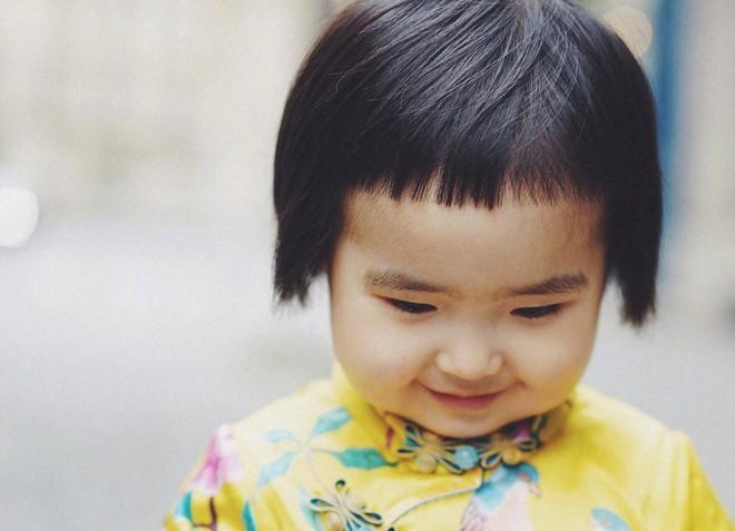 """Tiểu Man - Cô bé """"ăn cả thế giới"""" ngày nào giờ đã lớn hơn, điệu hơn và vẫn hay ăn! - Ảnh 14."""
