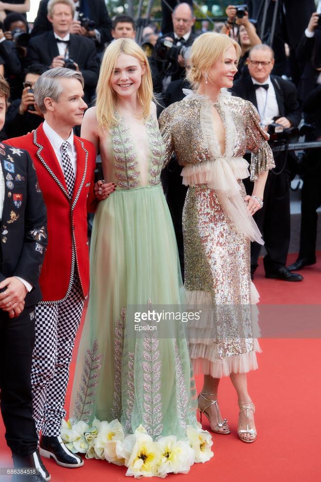 Thảm đỏ Cannes ngày 5 bỗng xuất hiện một nàng tiên hoa xinh đẹp đến nao lòng! - Ảnh 8.
