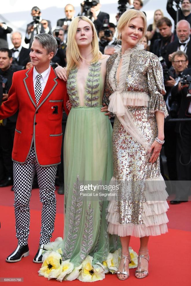 Thảm đỏ Cannes ngày 5 bỗng xuất hiện một nàng tiên hoa xinh đẹp đến nao lòng! - Ảnh 6.