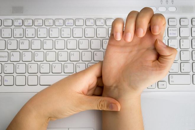 Không chỉ nguy cơ bị huỷ khớp, gõ máy tính quá nhiều còn dẫn đến hàng loạt căn bệnh này - Ảnh 3.