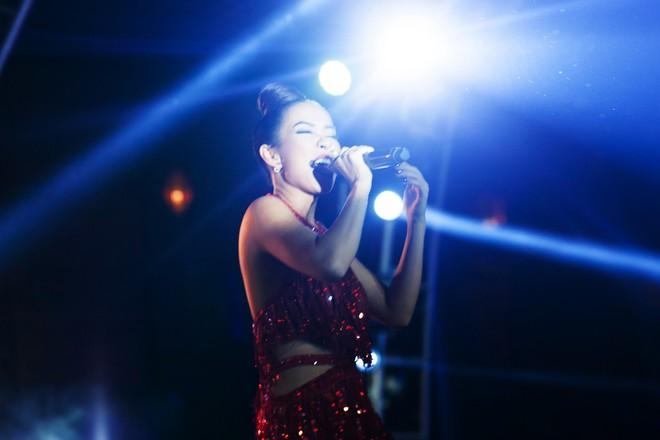 Thảo Trang khoe sở trường hát tiếng Anh tại Hội nghị thượng đỉnh APEC - Ảnh 6.