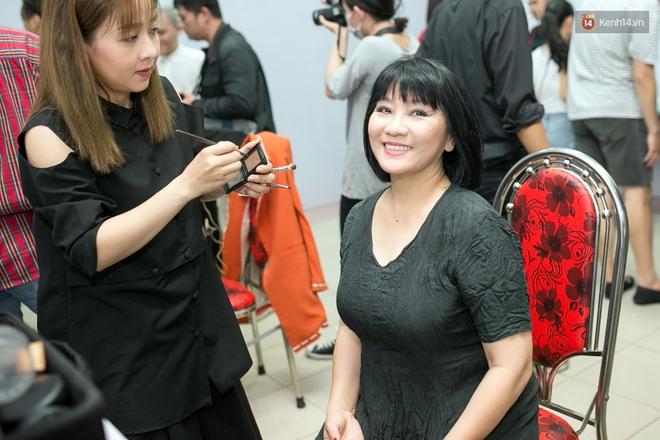 Hoài Lâm cùng bạn gái bất ngờ xuất hiện tại buổi ghi hình Chung kết 1 The Voice - Ảnh 6.