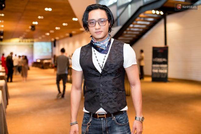 HLV The Face Thái đến đúng giờ, Minh Tú phải nhập viện trước họp báo The Face 2017 - Ảnh 22.
