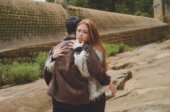 Nam Cường nhập vai chàng trai mù mắt, kể chuyện tình bi đát của bạn thân trong MV mới