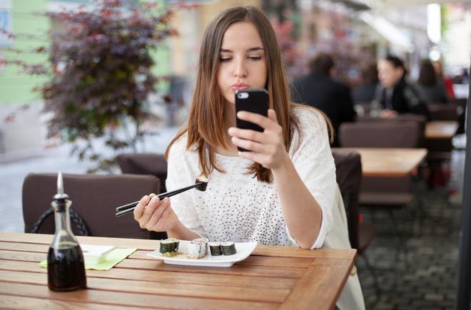 Không chỉ ngồi nhiều mới gây béo bụng, 7 sai lầm này cũng khiến bụng tích mỡ không kém - Ảnh 2.