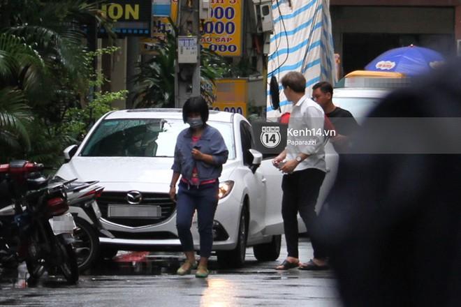 Độc quyền: Im lặng giữa tâm bão scandal, Trương Quỳnh Anh ở nhà chờ Tim đón con trai đi học về - Ảnh 8.