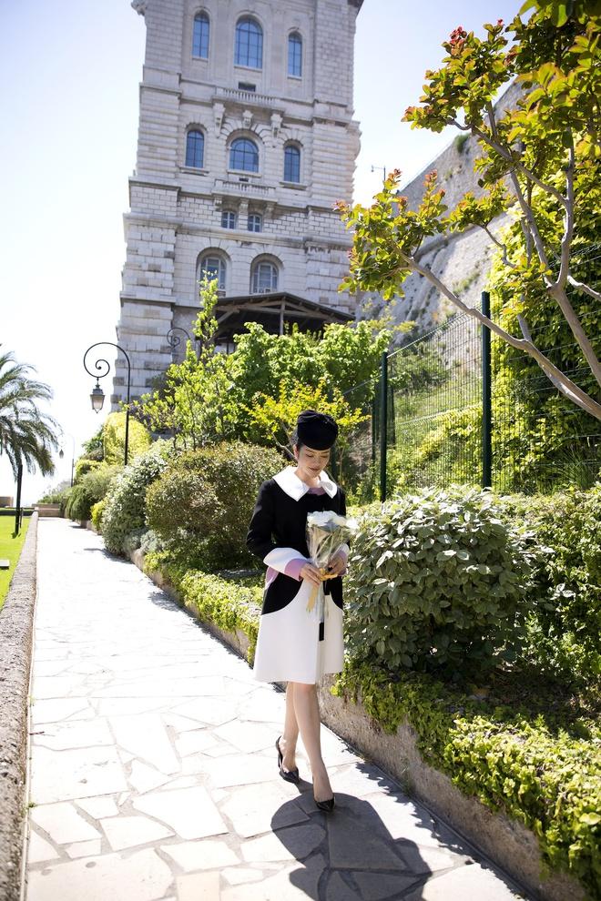 Lý Nhã Kỳ mặc quý phái tới viếng mộ Công nương Grace Kelly tại Monaco - Ảnh 7.