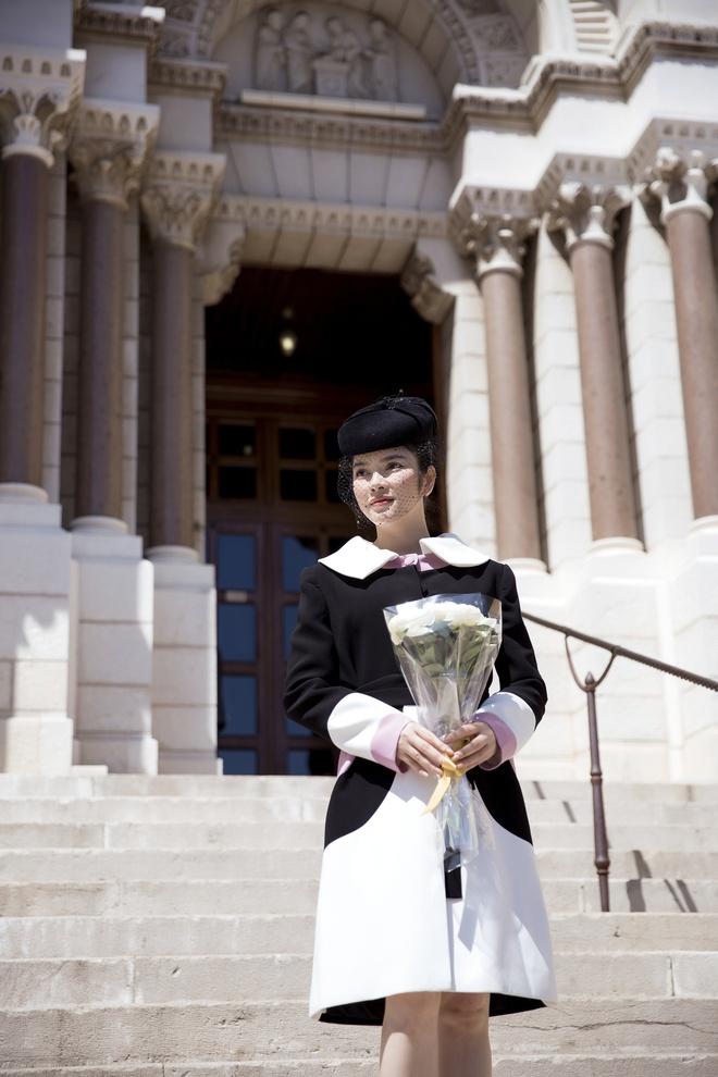 Lý Nhã Kỳ mặc quý phái tới viếng mộ Công nương Grace Kelly tại Monaco - Ảnh 8.