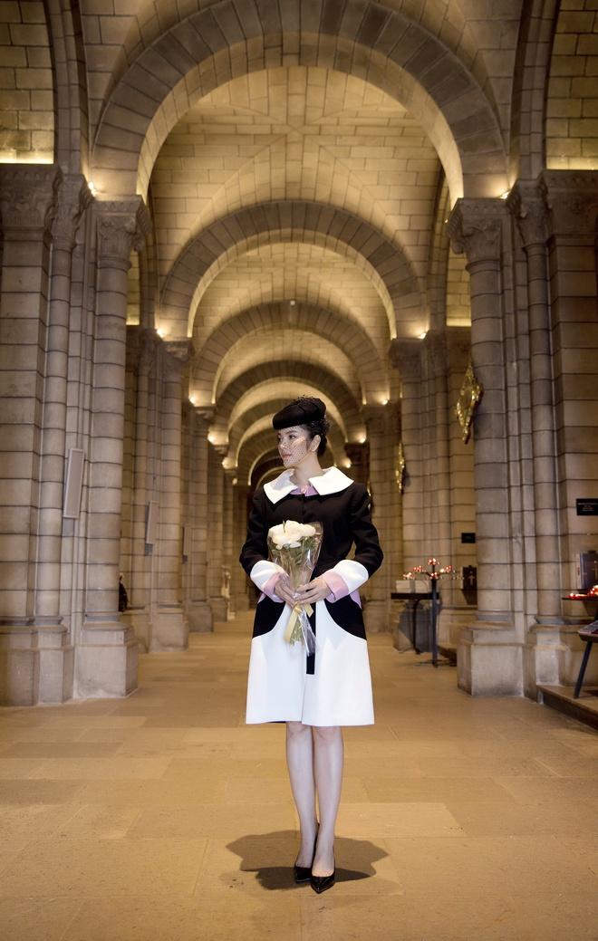Lý Nhã Kỳ mặc quý phái tới viếng mộ Công nương Grace Kelly tại Monaco - Ảnh 9.