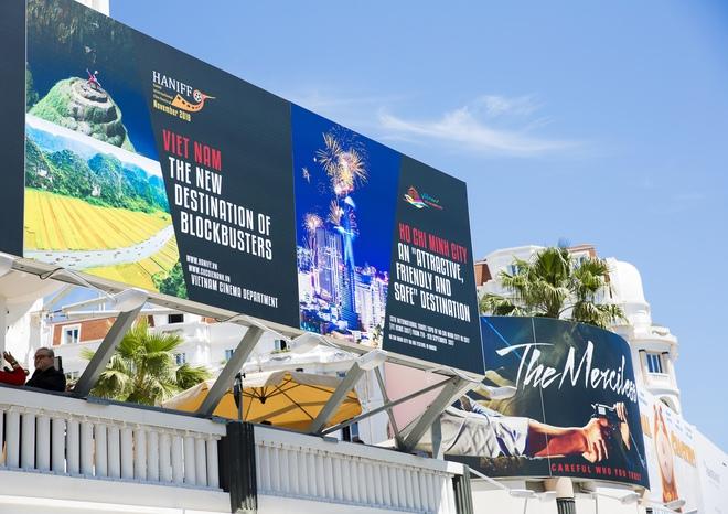 Lý Nhã Kỳ lên tiếng về tấm pano Lý Nhã Kỳ - Tiếng nói mới của Việt Nam đặt tại Cannes gây xôn xao - Ảnh 1.