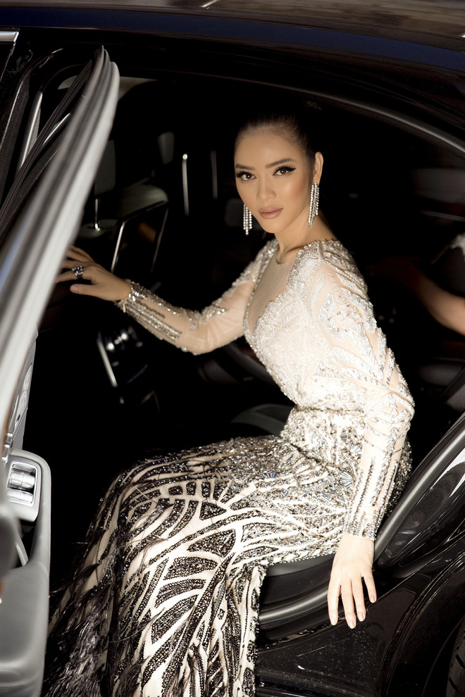 Lý Nhã Kỳ lột xác, hoá Nữ hoàng Cleopatra trên thảm đỏ LHP Cannes ngày 4 - Ảnh 7.