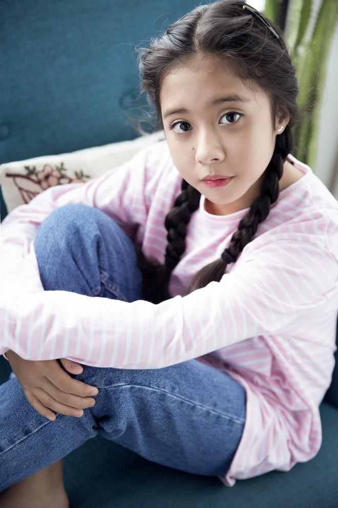"""Gặp bé Hai Thơ trong """"Mẹ chồng"""": Cô người hầu nguy hiểm nhất màn ảnh Việt - Ảnh 11."""
