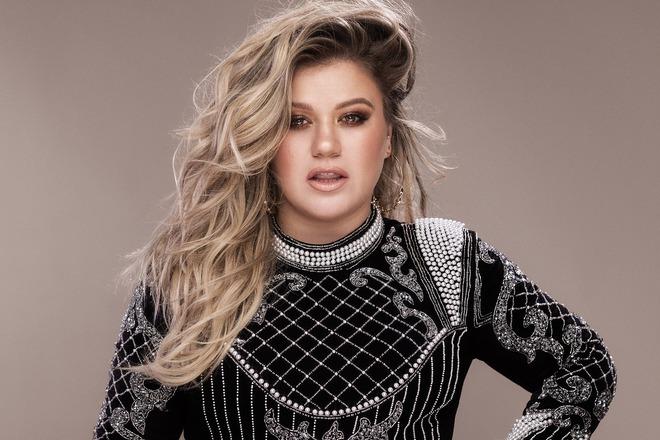 Đây là lí do vì sao Kelly Clarkson bỏ Idol để làm HLV The Voice! - Ảnh 1.