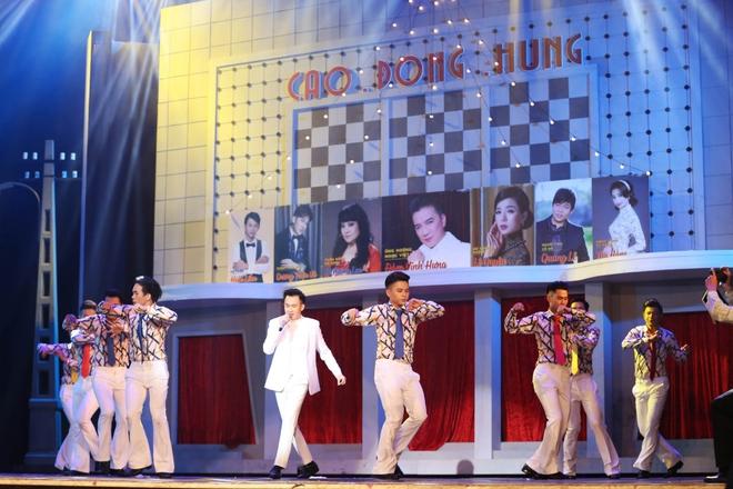 Ba thế hệ nghệ sĩ hòa giọng trong liveshow tái hiện hình ảnh Sài Gòn xưa của Đàm Vĩnh Hưng - Ảnh 10.