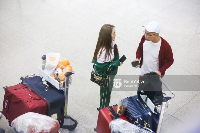 Diện đồ thể thao khoẻ khoắn, Minh Hằng nổi bật giữa sân bay lên đường đi Dubai tham dự tuần lễ thời trang quốc tế - ảnh 11