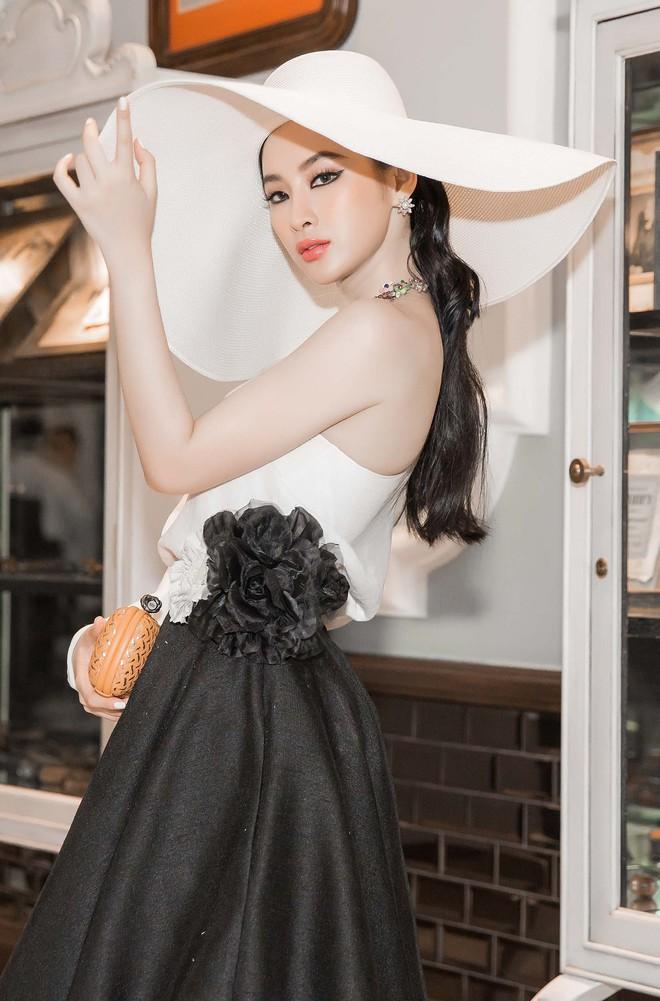 Angela Phương Trinh kiêu kỳ cổ điển, trở thành tâm điểm tại show của NTK Đỗ Mạnh Cường - Ảnh 6.