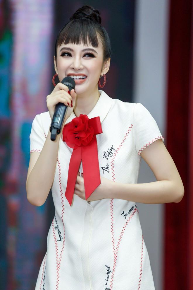 Angela Phương Trinh nắm tay Rocker Nguyễn, nhớ lại cảnh hôn nhau nhưng vẫn chọn Hữu Vi là bạn trai lý tưởng  - Ảnh 1.