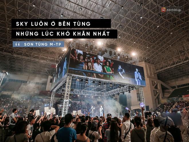 Sơn Tùng và Sky trong fan meeting lớn nhất Việt Nam: Còn bên nhau hãy còn viết cho nhau tuổi trẻ, để mai sau tự hào mà kể...