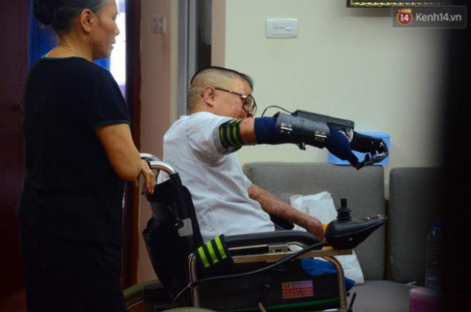 """Chiến sĩ duy nhất sống sót sau vụ rơi trực thăng Hòa Lạc nghẹn ngào với đôi tay giả: """"Tôi vui sướng, hạnh phúc đến quên cả ăn uống"""" - ảnh 8"""