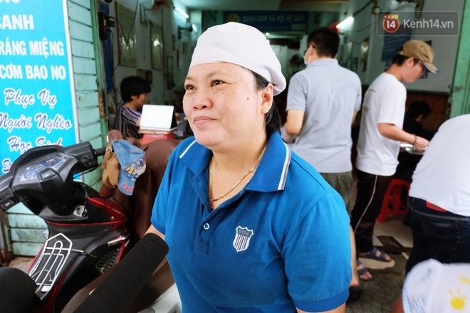 Chủ nhiệm quán cơm 2.000 đồng ở Sài Gòn: Sinh viên bất kể giàu nghèo đều được chào đón tại quán của chúng tôi - ảnh 6