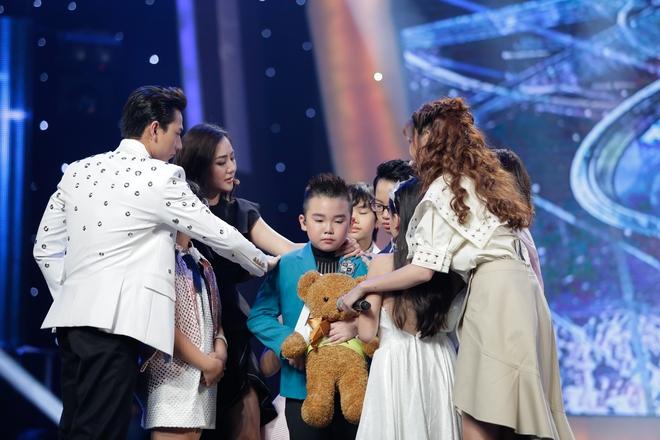 Vietnam Idol Kids: Hoàng tử Bolero bất ngờ chuyển sang hát nhạc Phan Mạnh Quỳnh - Ảnh 3.