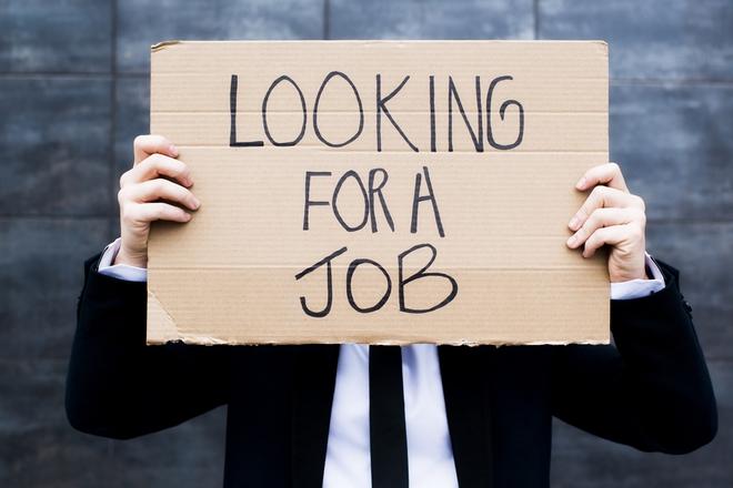 Đứng trước ngưỡng cửa thất nghiệp, sinh viên đừng chỉ mãi than phiền - Ảnh 2.