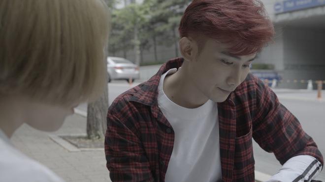 Chí Thiện đưa nhiều cảnh lãng mạn kinh điển của phim Hàn vào MV mới - Ảnh 2.