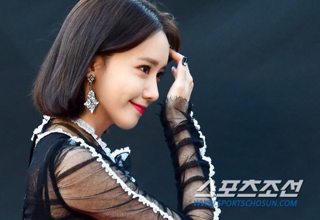 Màn đụng hàng của năm: Chi Pu mặc trước thì bị chê sến, Yoona mặc sau lại được khen như nữ thần! - ảnh 13
