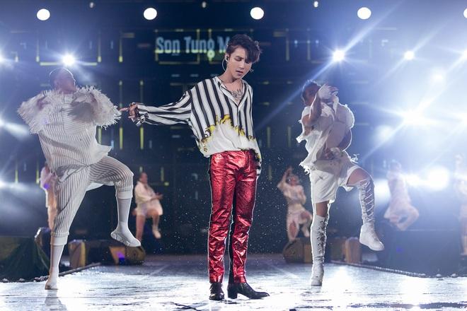 Sơn Tùng M-TP bắt tay Bi Rain sau khi diễn xong đại nhạc hội tại Thái Lan - Ảnh 7.