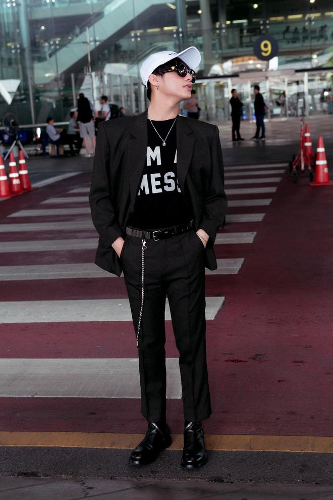 Sơn Tùng M-TP nổi bật với phong cách cực ngầu tại sân bay - Ảnh 5.