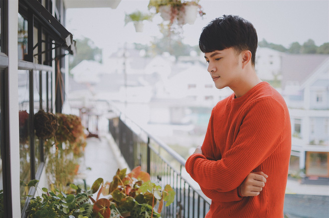 Nam Cường nhập vai chàng trai mù mắt, kể chuyện tình bi đát của bạn thân trong MV mới - Ảnh 5.