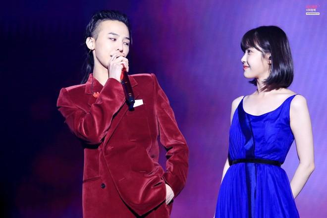 G-Dragon gây sốc vì gầy đáng báo động, bị tố lạm dụng thẩm mỹ đến mức mặt biến dạng - Ảnh 12.