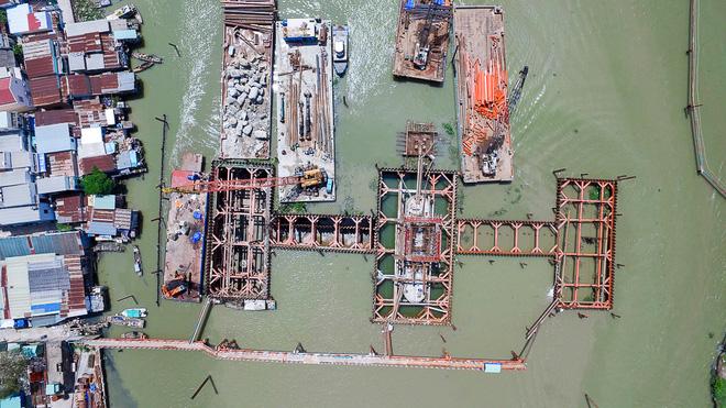 Nhìn từ trên cao công trình chống ngập 10.000 tỷ đang dần thành hình ở Sài Gòn - Ảnh 14.