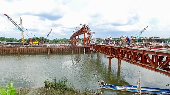 Nhìn từ trên cao công trình chống ngập 10.000 tỷ đang dần thành hình ở Sài Gòn - Ảnh 7.