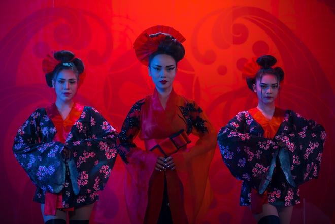 Hậu The Remix, Yến Trang hoá nàng Geisha ma mị trong MV mới - Ảnh 1.